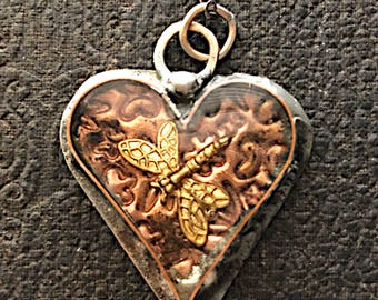 OUTLANDER / Dragonfly In Amber Pendant