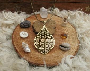 Arabesque necklace-