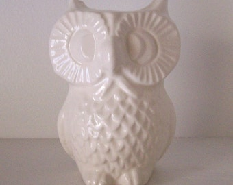Owl Vase, Pencil holder, Bud Vase, White Office Decor, Ceramic, Office Gift, Vintage Design, Ceramic Owl, Owl Tooth brush holder, Owl Theme