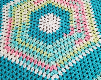43 x 43 Hexagon baby blankket