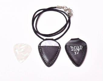 Roadiz silver guitar pick holder