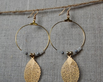 Hoop earrings plated gold with filigree leaf
