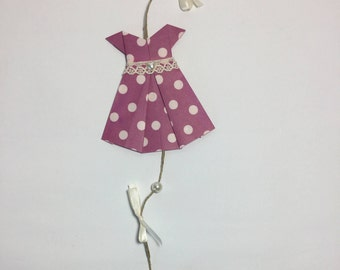 a Garland dress special for child's room