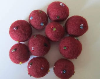 Set of 10 balls in carded/felted wool with pearls - tassels