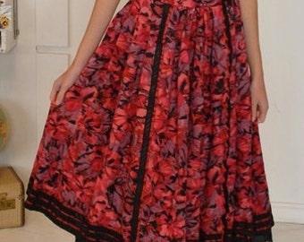 German trachten skirt . watercolor roses skirt . german folk skirt . Helene Strasser . wool folk skirt . Oktoberfest skirt . folk skirt