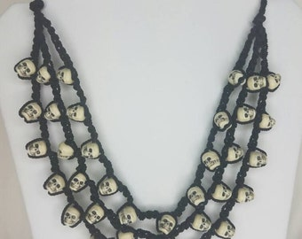 Black and white crochet skull necklace- Dia de los muertos