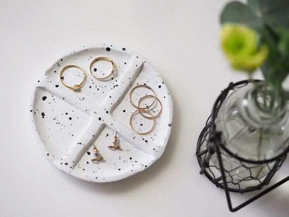 Minimalist ring dish Jewelry organizer Modern ring holder