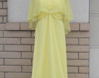 Vintage 70s Formal Dress w/Removable Sheer Hi Low Cape Size Large, Tall