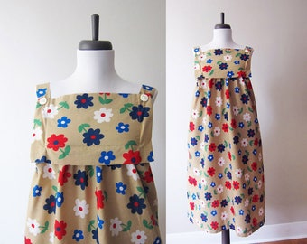 Vintage 1960s Dress / Red White Blue Daisy Mod Print Cotton Tent Dress / Size Small Medium