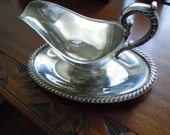 Vintage Plated Wm Roger Gravy Boat with attached Under Tray Drip Tray