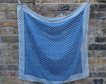 1960s vintage blue handkerchief with cute flower print - Sixties Mod Cute