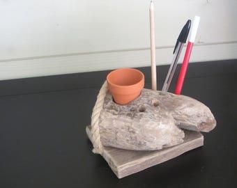 Driftwood N2 pens holder