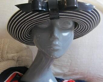 Vintage navy blue white woven fiber summer hat, navy white sailor look sun hat, navy white nautical style hat