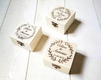 Boîte à alliances Jolie boite gravée en bois