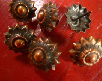 6 flowers-copper metal flower studs * 2.7 cm * vintage