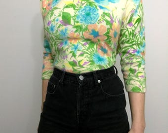 60s PASTEL GARDEN Painted Cashmere Floral Sweater Size Small