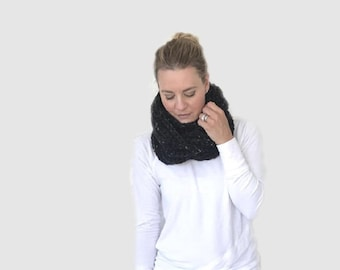 Chunky Crochet Ribbed Infinity Scarf | obsidian black |  THE ANELLO