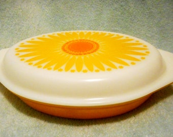 Vintage Pyrex sunflower divided casserole 1.5 QT