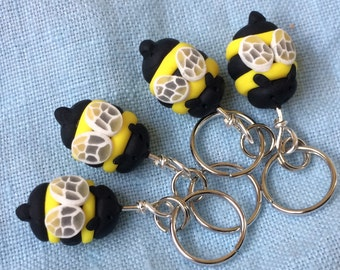 Miniature Bee, Tiny Stitch Markers, Clay Progress Keeper, Stitch Markers, Knitting Notions, Polymer Clay Bee, Knitting Tools, Set of 4