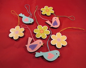 8 wooden birds flowers pendant