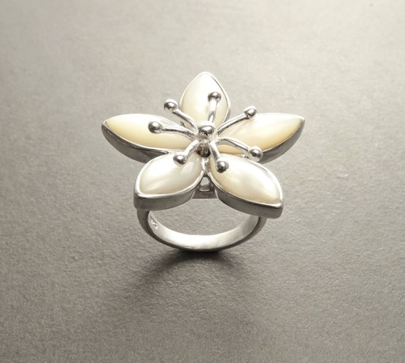 Cherry Blossom Ring, Sterling Silver, Wide Flowers Petals Jewelry, Nature Inspired Ring, White Mother of Pearl, Unique Women's Flower Ring