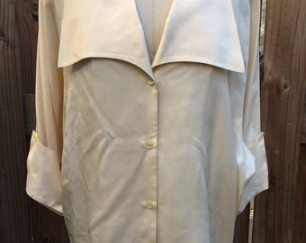 1980s Britches of Georgetown Silk Blouse // Vintage Blouse // Vintage White Blouse // White Blouse // Blouse // Vintage top