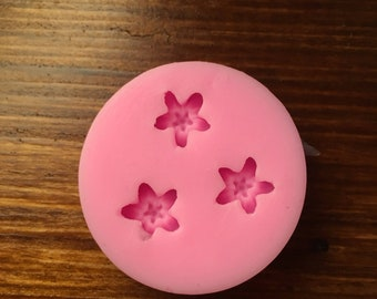 Flexible silicone Mould 3 violet flowers-Kawaii-resin-Polymer clay-chocolate-Cake-Easter-spring-Decoden-plasters