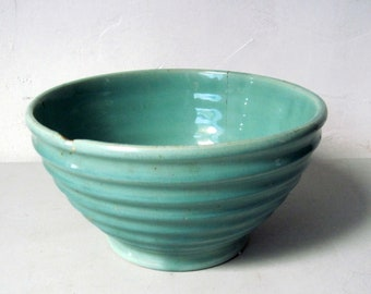 Vintage 1940s green ribbed Pottery Mixing batter Bowl