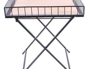 Tray on folding legs