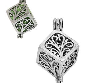 1 Antique Silver Aromatherapy Essential Oil Diffuser Cube Locket Pendant (B470k)
