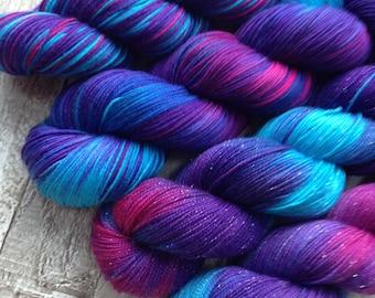 Hand dyed yarn sock/4 ply/ silver/ DK superwash 'starlight Express' 75% merino 25 nylon yarn wool/ double knitting/ sparkle