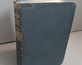 Vintage Little A. Dumas 'Le Chevalier de Maison Rouge' Collins Clear Type Press Leather Bound