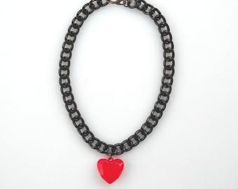 Rot Herzhalskette, Candy rot geschwollene Herzanhänger, schwarz klobige Kette, Valentinstaggeschenk für sie, Aussage Schmuck