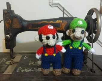 Crochet Mario & Luigi like Dolls Set