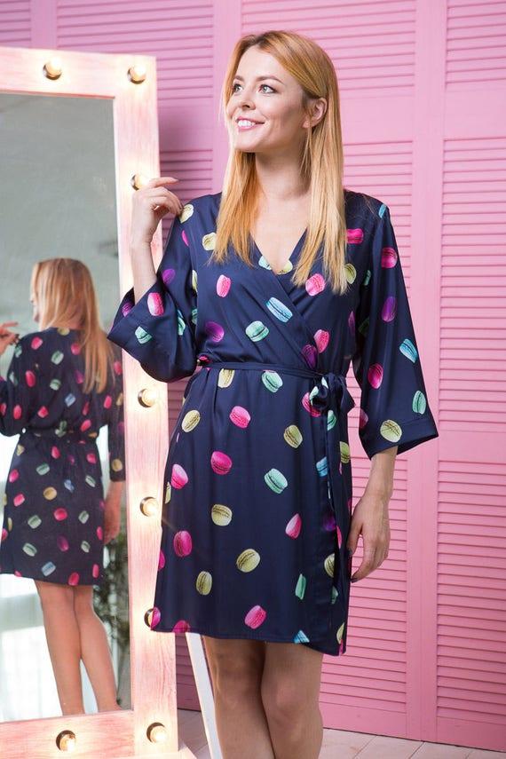 Kimono-Bademantel blau Satin Gewand Gewand Macarons Druck