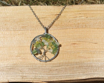 Tree of Life/ Pendant Necklace/ Tree of Life Necklace/ Handmade Necklace / Beaded Necklace / Green Necklace / Chain Necklace