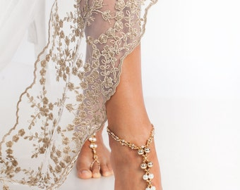 Champagne Beaded barefoot sandals, Bridal foot jewelry, Pearl and Crystal Beach wedding Barefoot Sandals, Wedding accessory, Footless sandal