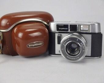 Vintage VOIGTLANDER Color Skopar 2.8/50 Prontormat Camera w/ Brown Carrying Case