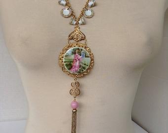 Tiny plate necklace