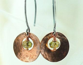 Copper Dangle Earrings / Hammered Copper Disk Earrings / Earrings Green Czech Glass / Long Dangle Copper Earrings
