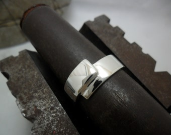Unisex Bangle in sterling silver