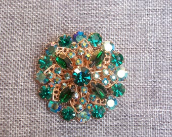 Gorgeous vintage large green rhinestone brooch, so sparkly!