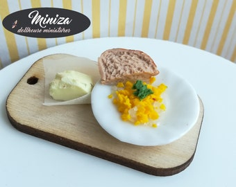 Miniature scrambled eggs with bread and butter, 1:12 scale