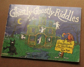 Ghastly Ghostly Riddles Children's Book, 1977