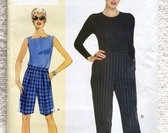 Vogue V304, Today's Fit, Sandra Betzina, Misses Petite Shorts and Pants Sewing Pattern, US Sizes 6, 8, 10, 12, 14