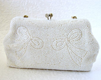Vintage White Beaded Purse Cream Frosted Beads Bow Design Rhinestone Clasp Gold Tone Frame Chain Strap Wedding Bridal Formal Evening CLutch