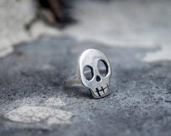 Crazy Skull Ring in Silver.