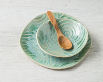 spiral-hand built-bowl-plate-plates-bowl-dish set-kitchenware-green-wedding gift-gift for her-gift for him-ceramic-handmade-pottery-rustic