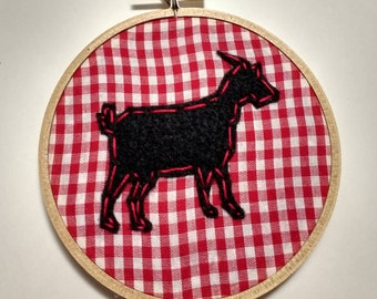 "4"" Country Goat Embroidery Hoop Ornament"