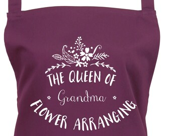 Personalized Queen of Flower Arranging Apron , Florist Apron with Pocket,kitchen, baking, flower arranger. Ref: 1030